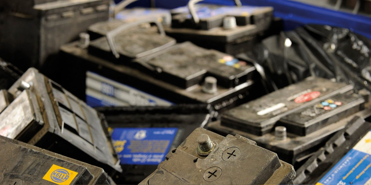 how to tell how old your car battery is