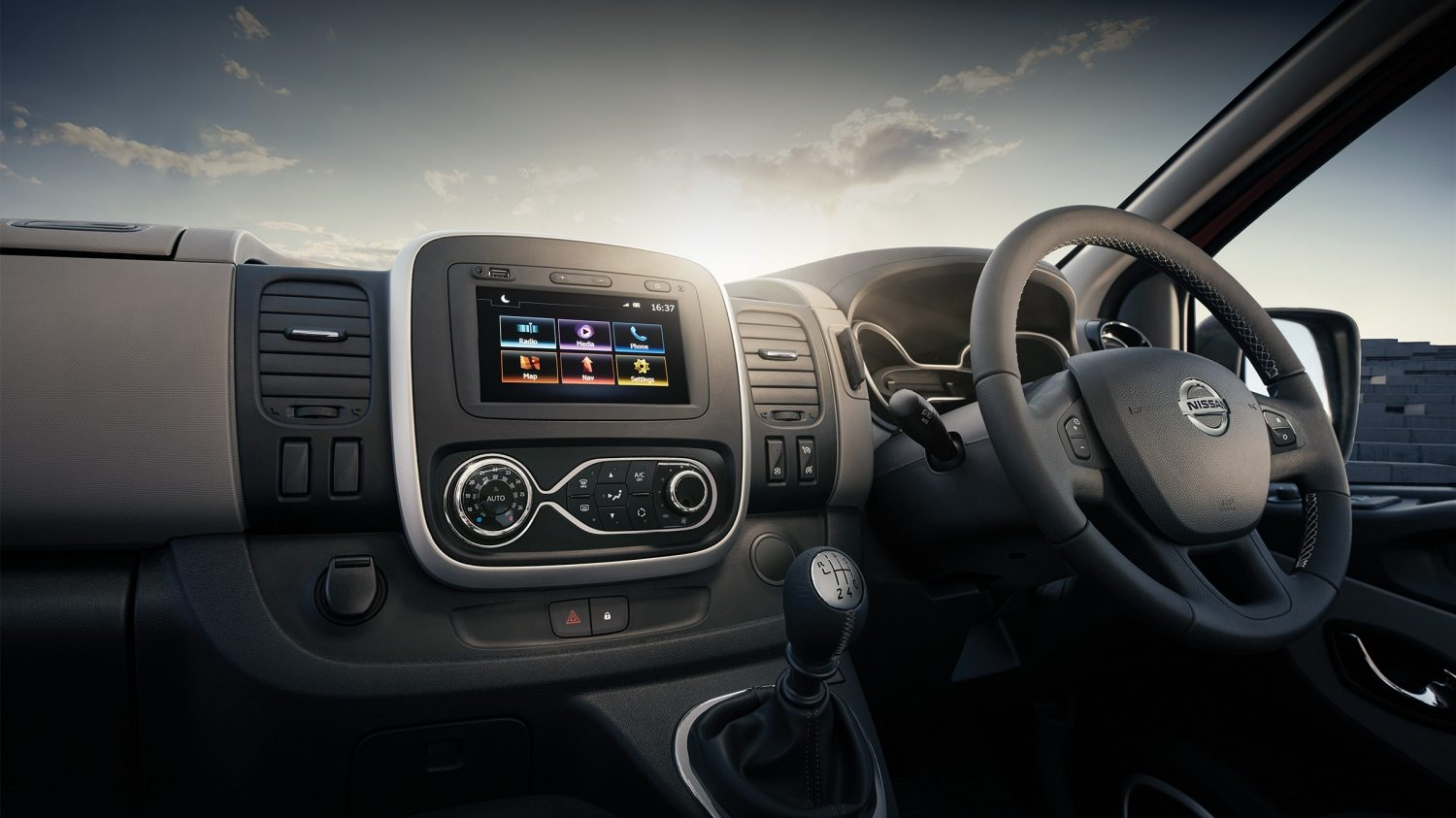 NAVIGATION & INFOTAINMENT SYSTEMS