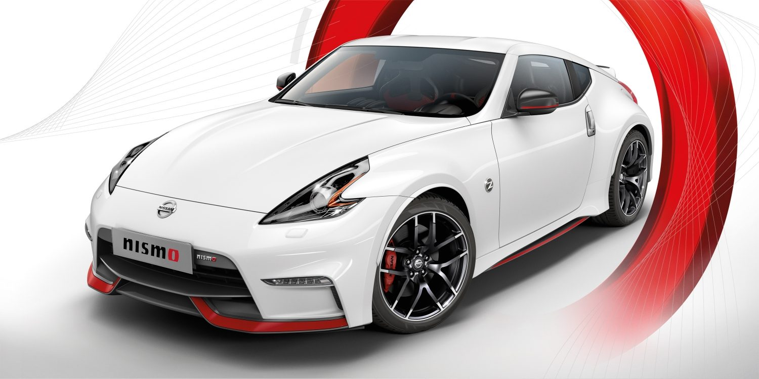Nissan 370Z Coupé - White - Vista frontal 7/8 do NISMO