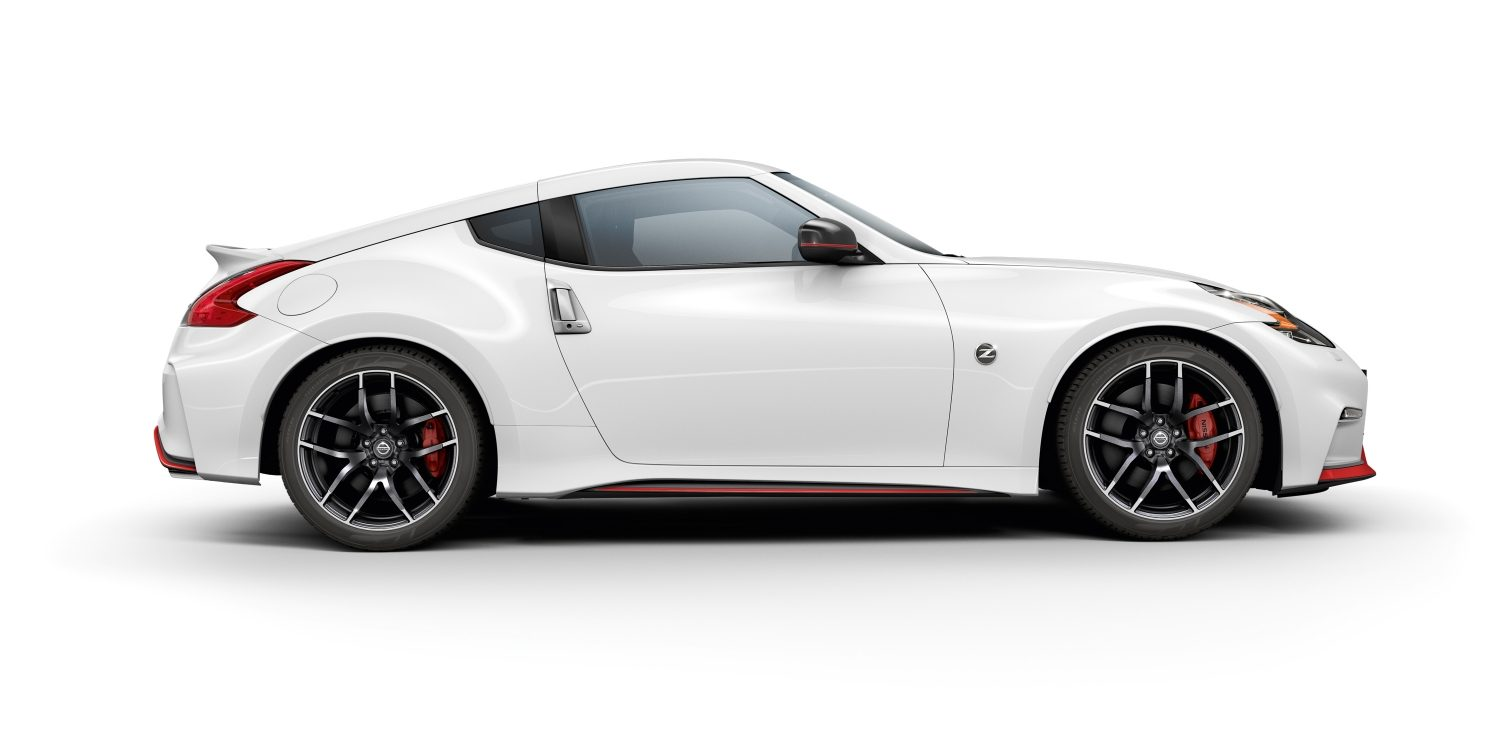 Nissan 370Z Coupé - White - Vista frontal lateral