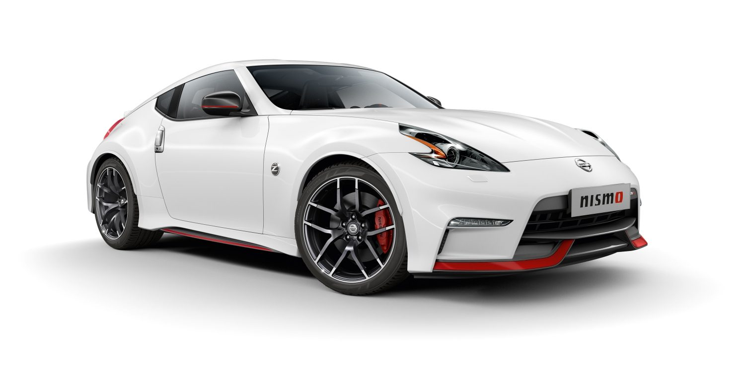 Automóvel desportivo Nissan 370Z Coupé - White - Vista frontal 3/4