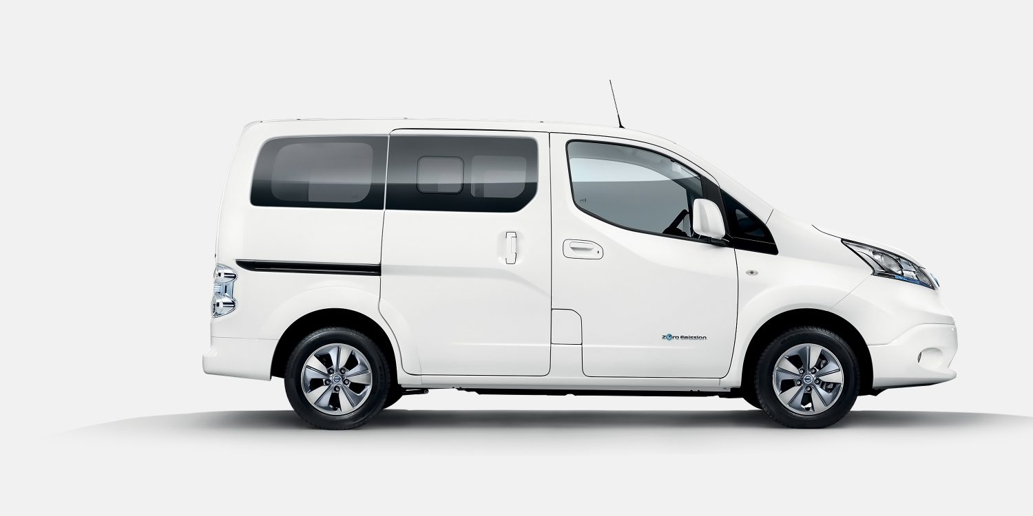 New Nissan e-NV200 COMBI profile view