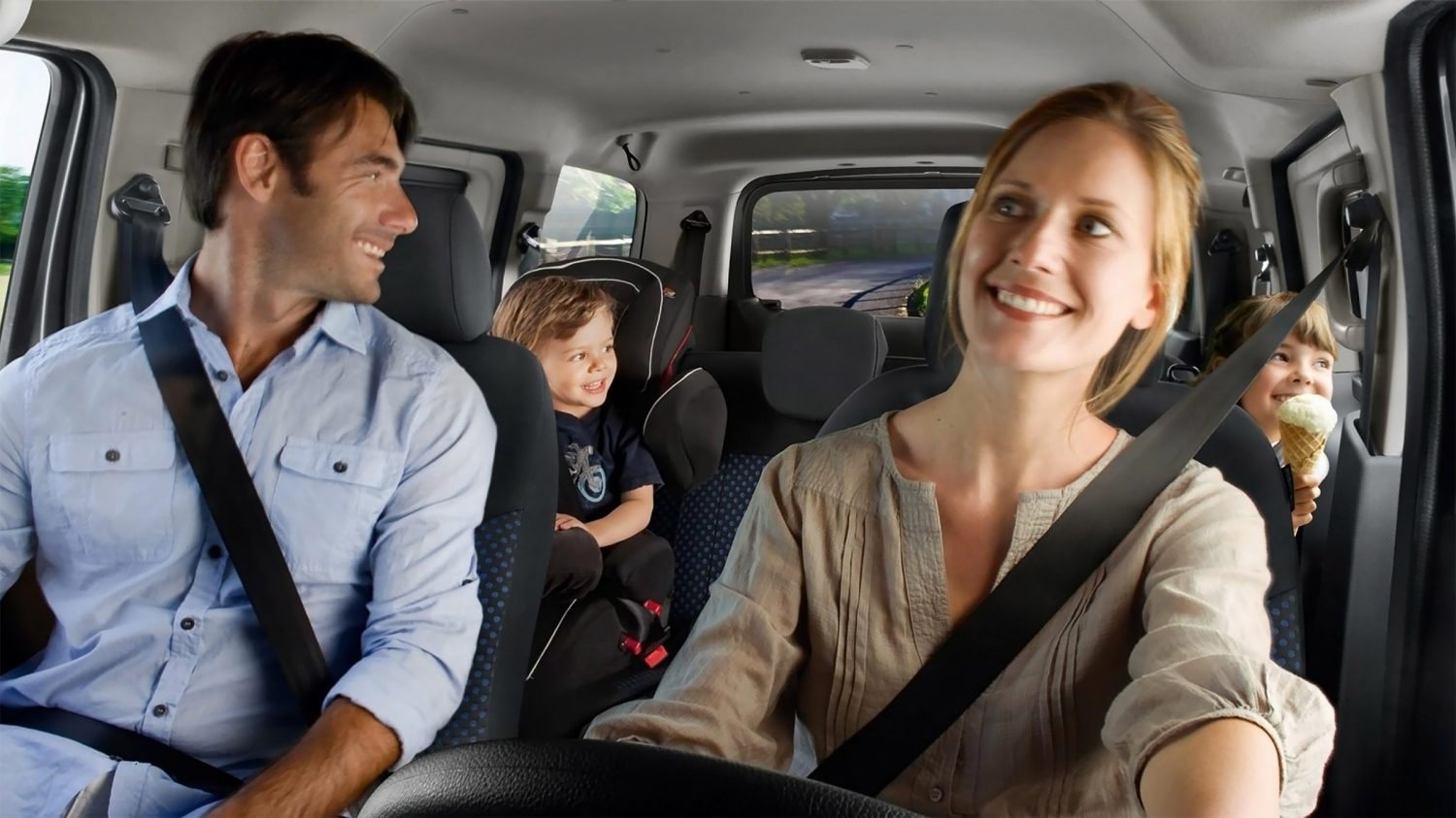 New Nissan e-NV200 EVALIA interior view with family in the car