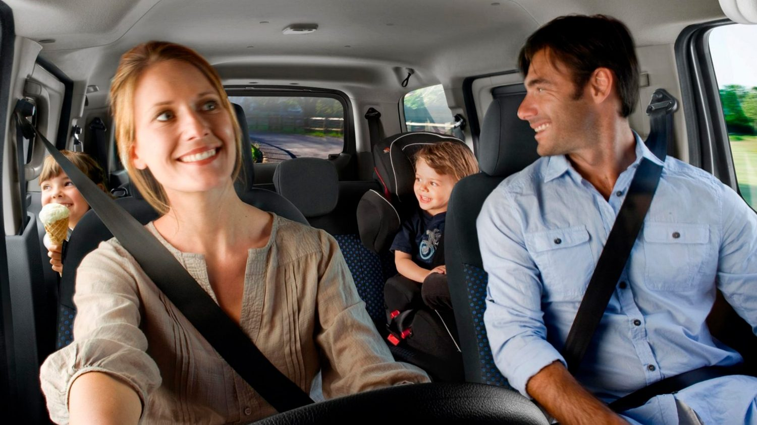 New Nissan e-NV200 Combi interior view with family in the car