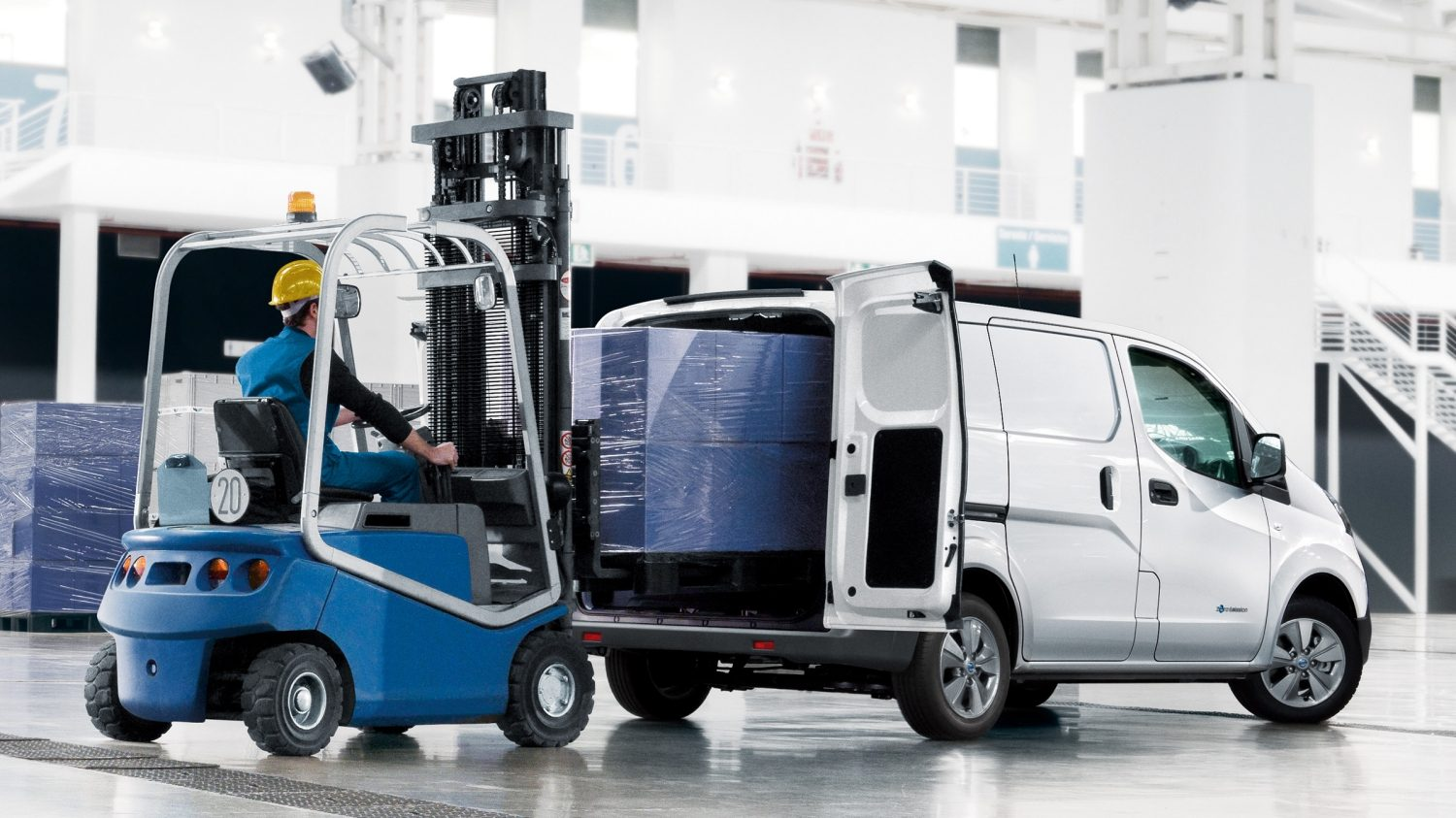 New Nissan e-NV200 VAN being loaded
