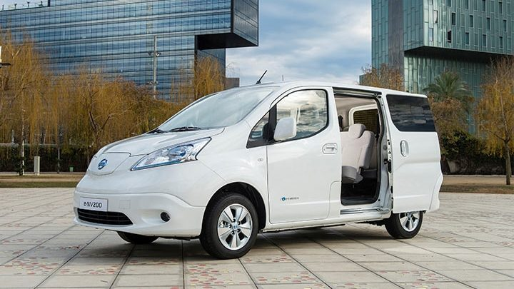 design nissan e nv200 evalia voiture lectrique. Black Bedroom Furniture Sets. Home Design Ideas