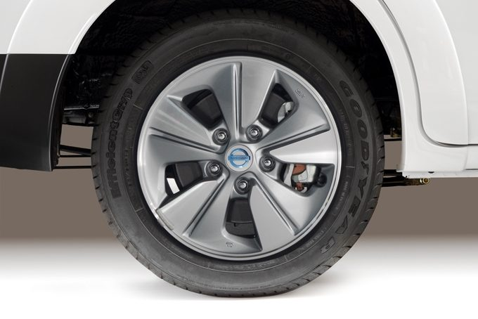 Nissan e-NV200 - OE wheels covers - 203,59 €*