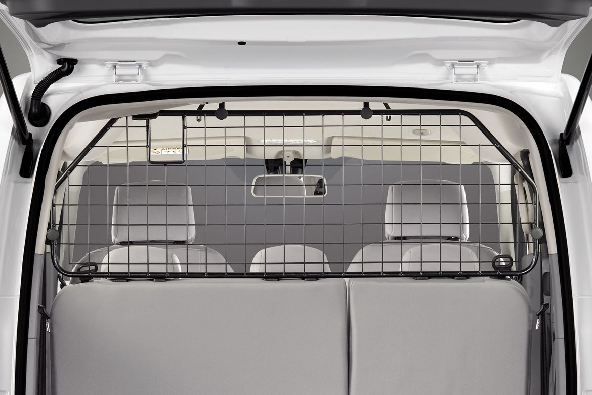 Nissan e-NV200 - Dog guard