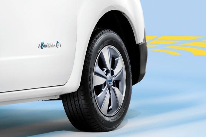 Nissan e-NV200 Evalia - Safety - Front parking system
