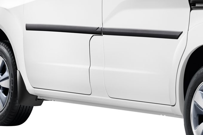 Nissan e-NV200 Evalia - Exterior - Body side mouldings