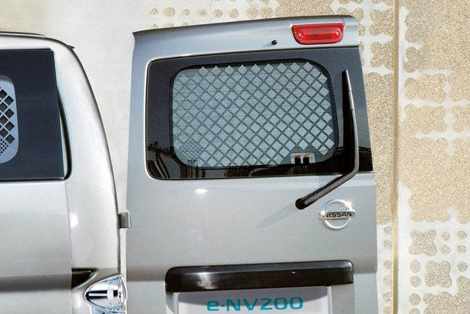 Nissan e-NV200 - Interior - French doors protection grilles