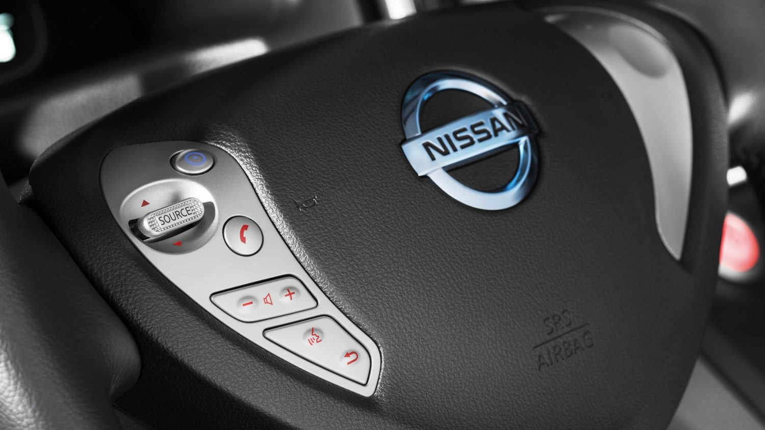 Nissan e-NV200 - Entrada USB y Bluetooth