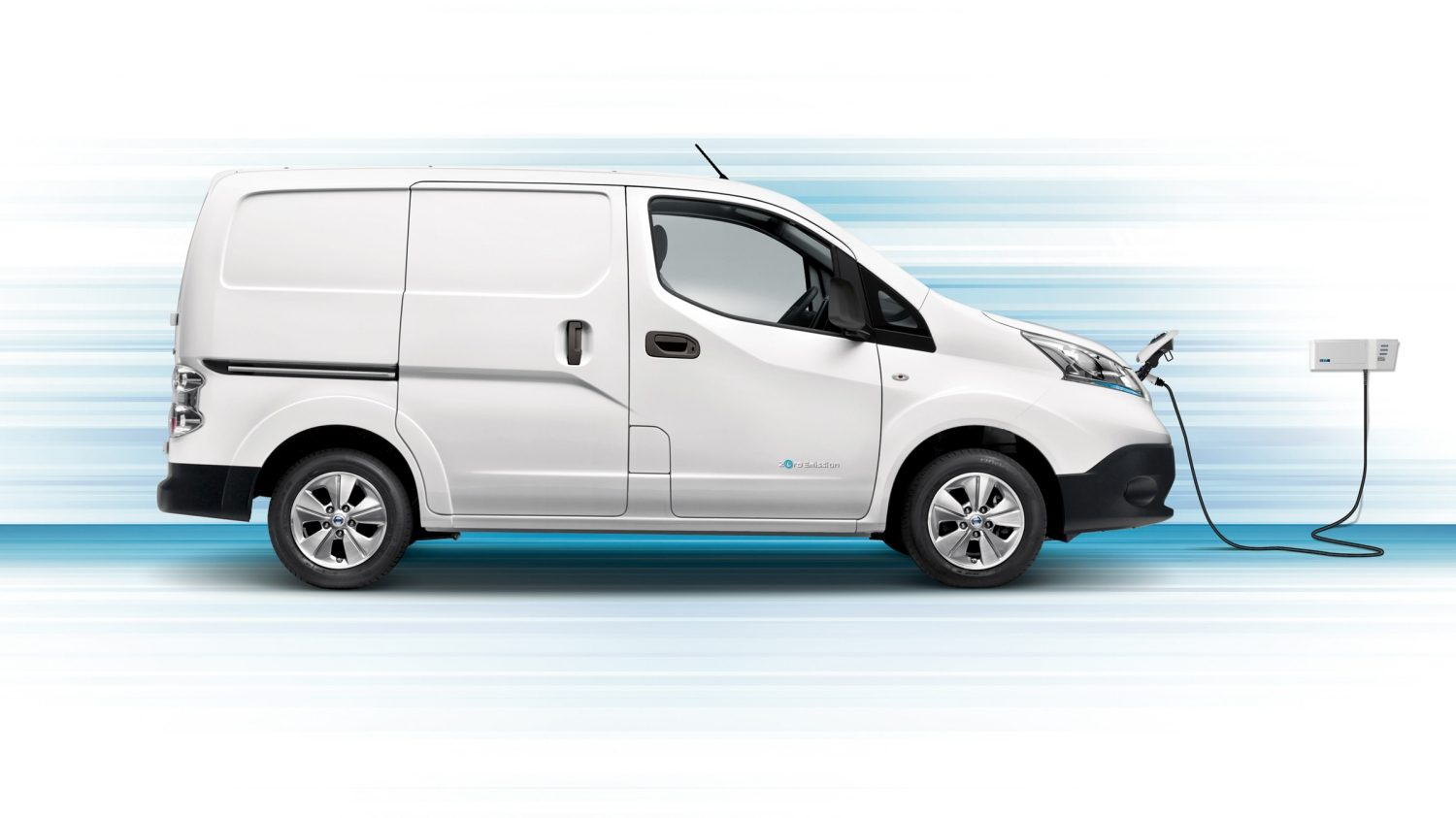 Nissan e-NV200 - Van side view