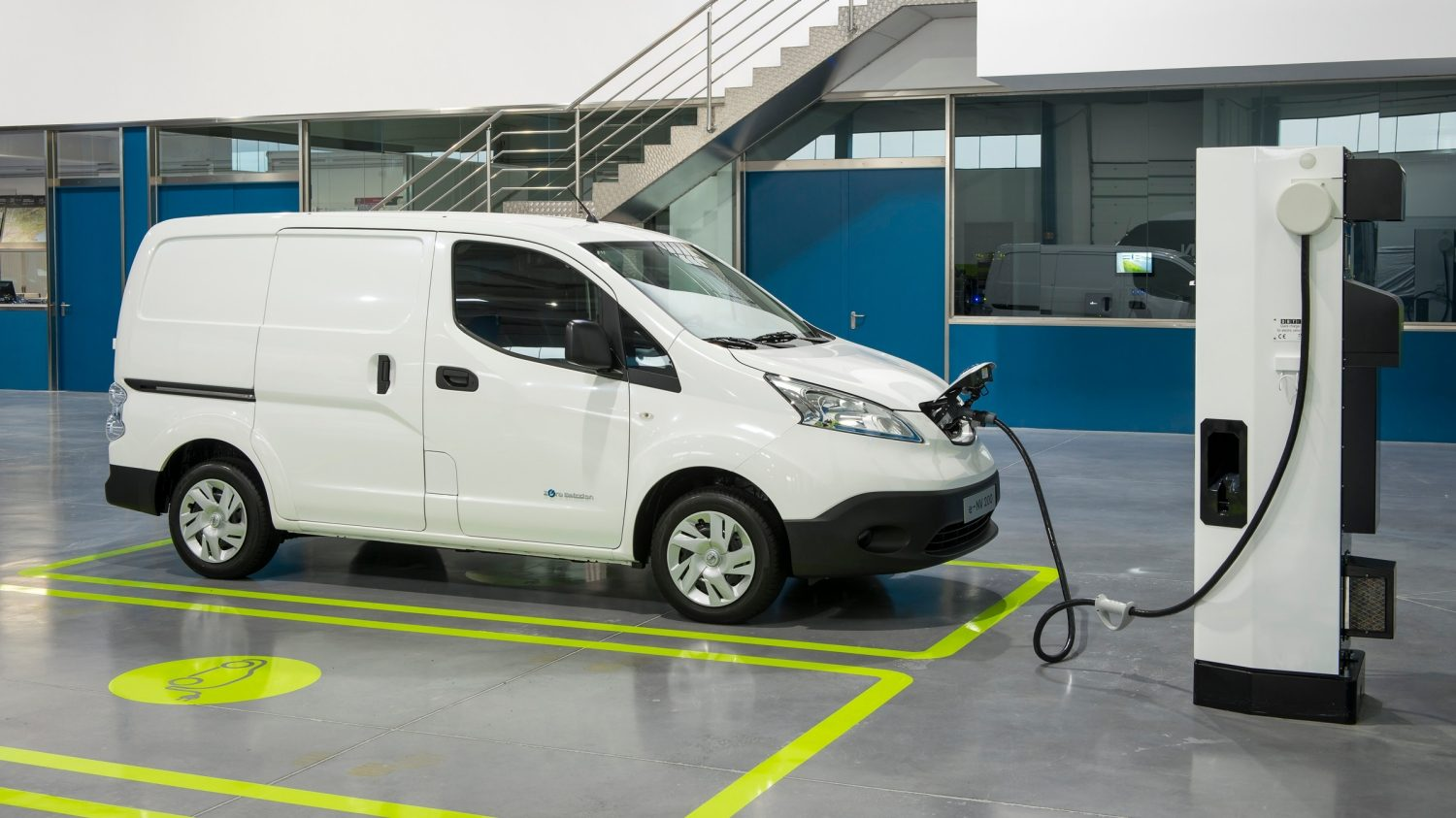 Nissan e-NV200 - Ricarica in garage