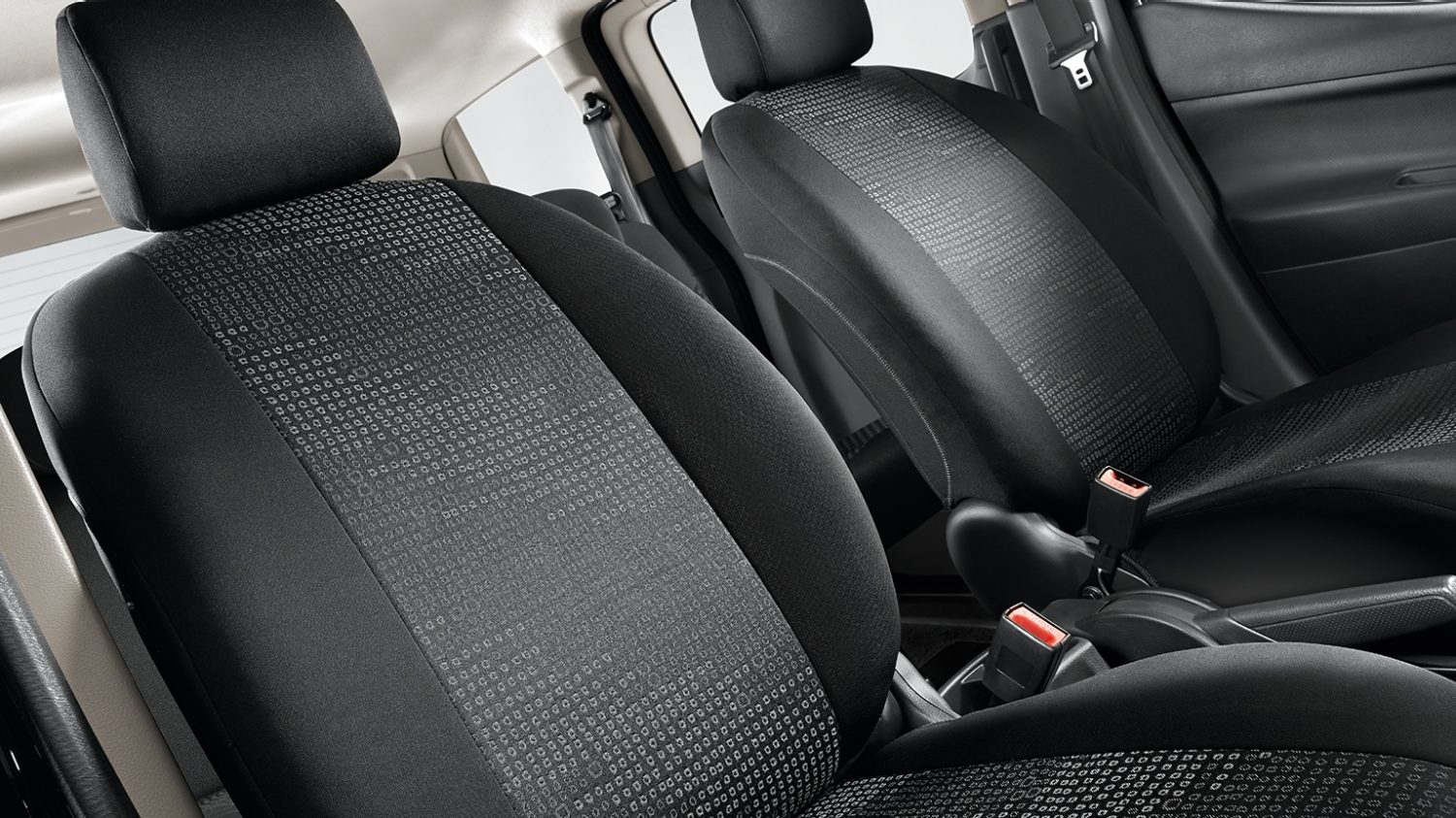 Nissan Evalia - Interior - Seat covers