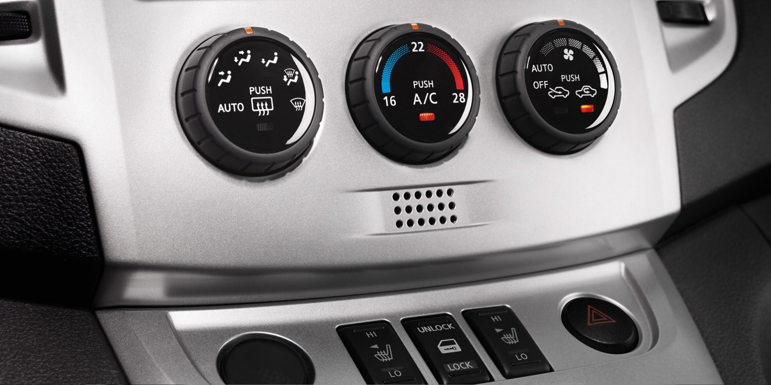Combi | Nissan NV200 | Air conditioning controls