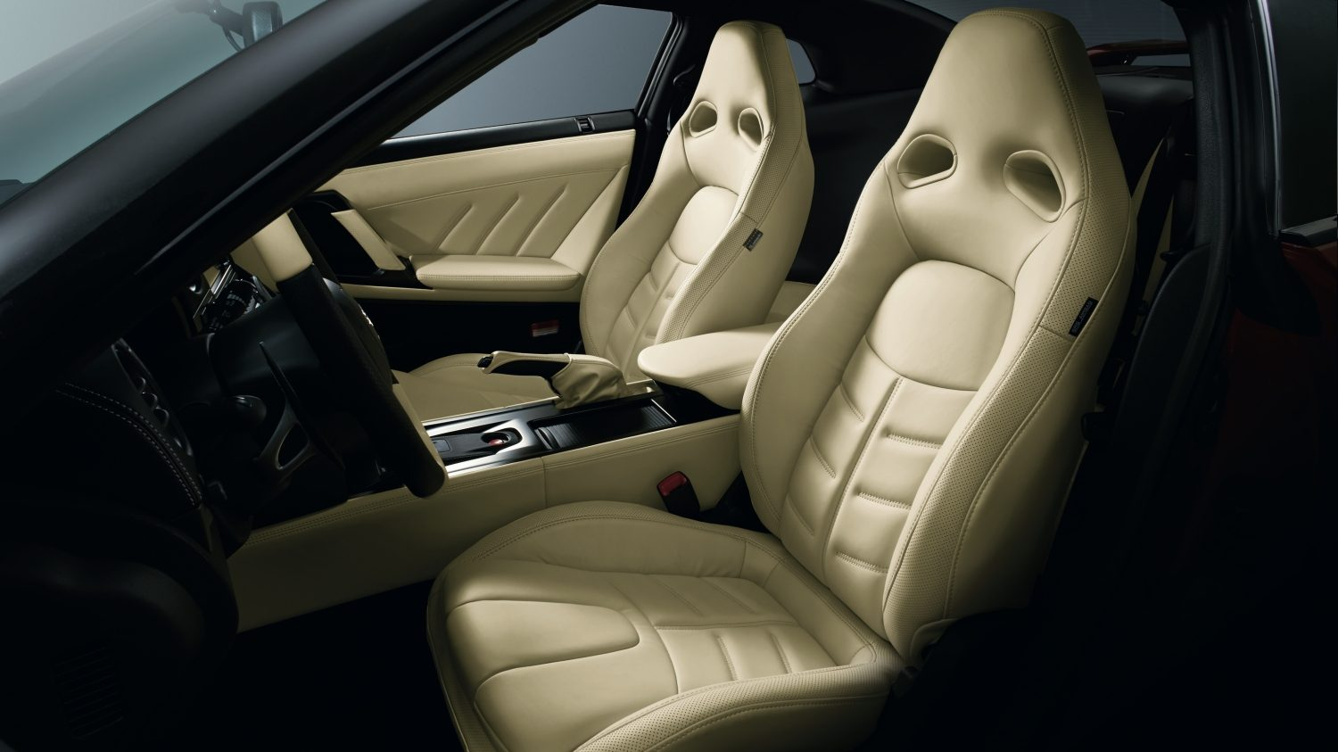 Nissan GT-R - Ivory Semi-Aniline Leather