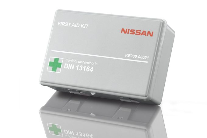 Nissan Juke - Safety - First aid kit