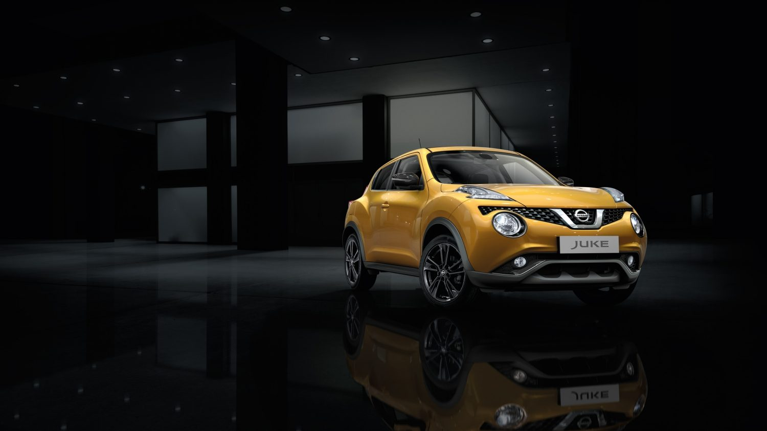 Compact & mini SUV design - yellow 3/4 front view | Nissan Juke