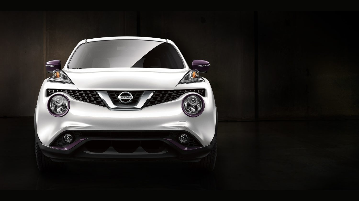 Nissan Juke white - front view