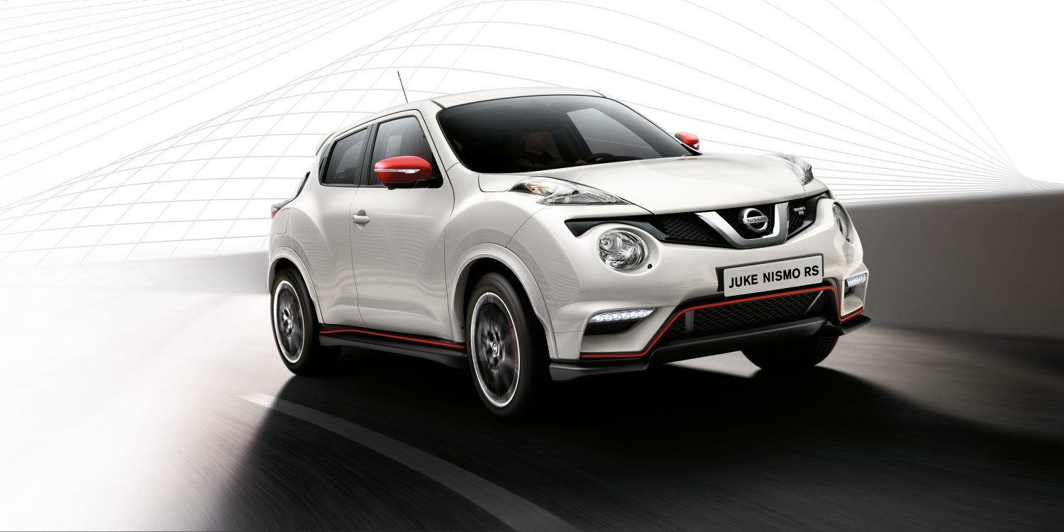 Nissan JUKE NISMO RS White – Solid – 3/4 (vy) framifrån