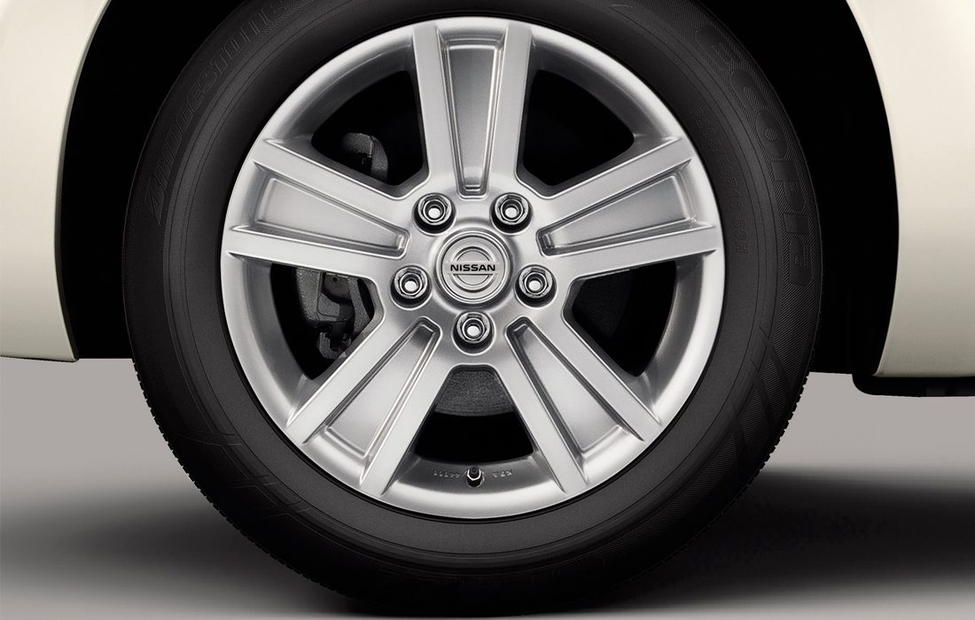 "Nissan LEAF - 16"" Electron alloy wheels"