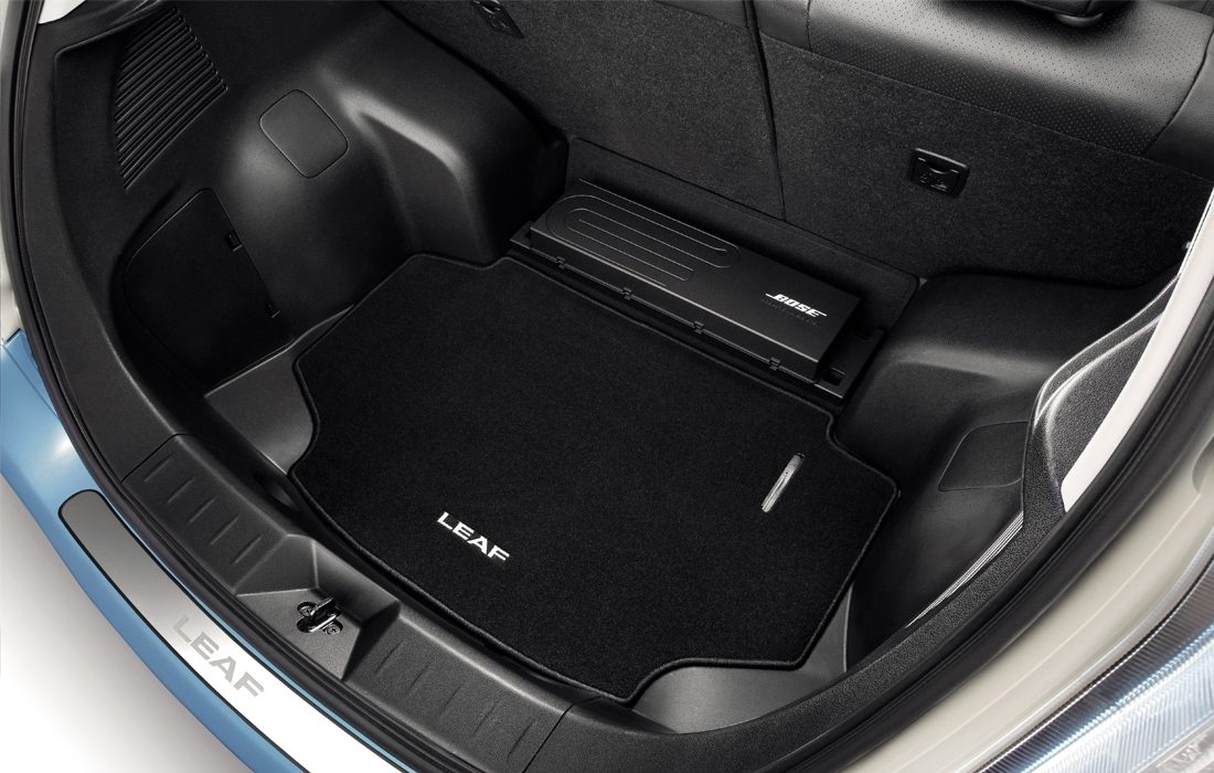 Nissan LEAF - Interior - Trunk mats with Bose system
