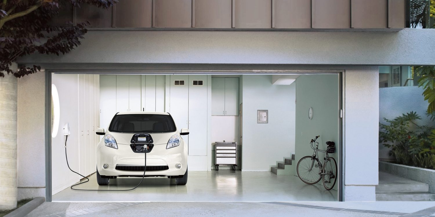 Nissan LEAF - Front angle of charging in garage