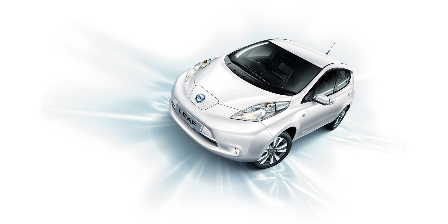 Nissan LEAF | Front angle of vehicle on blue background