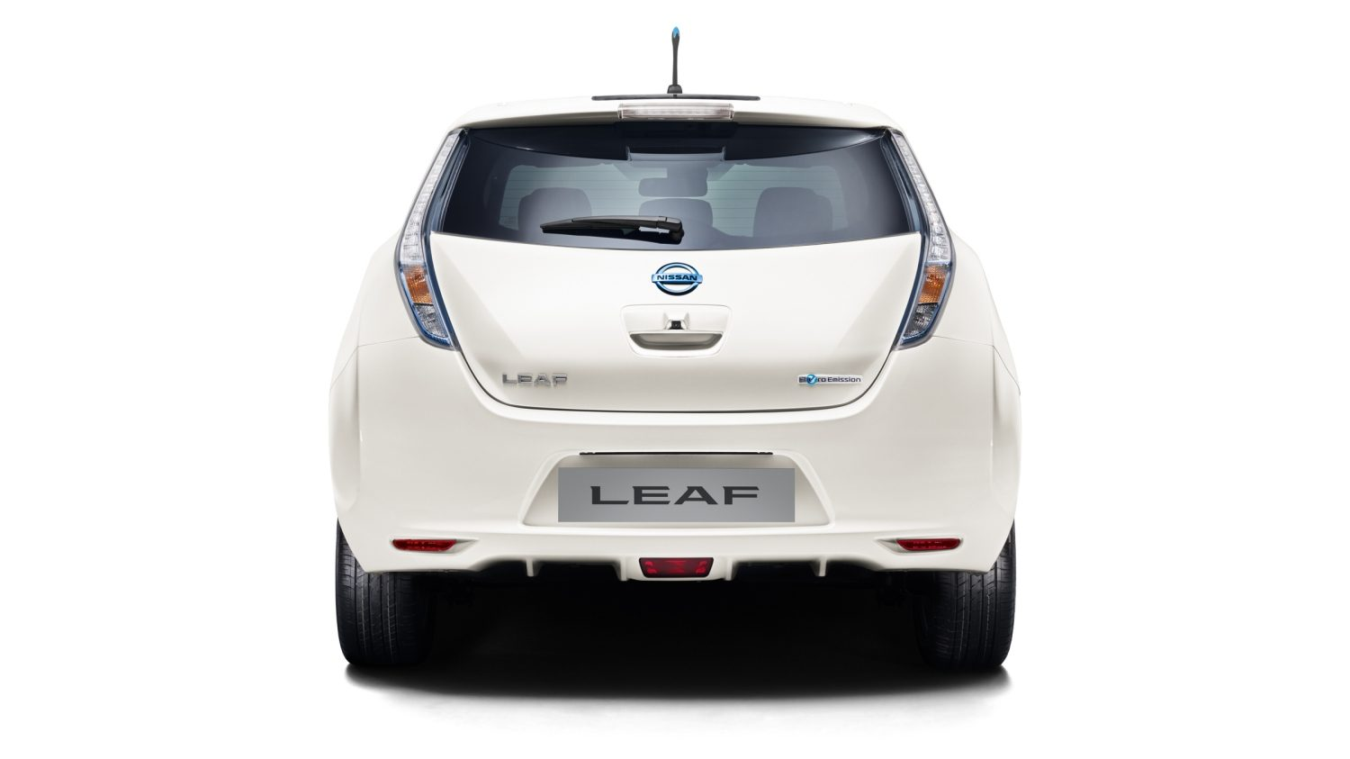 Nissan LEAF - Static rear view