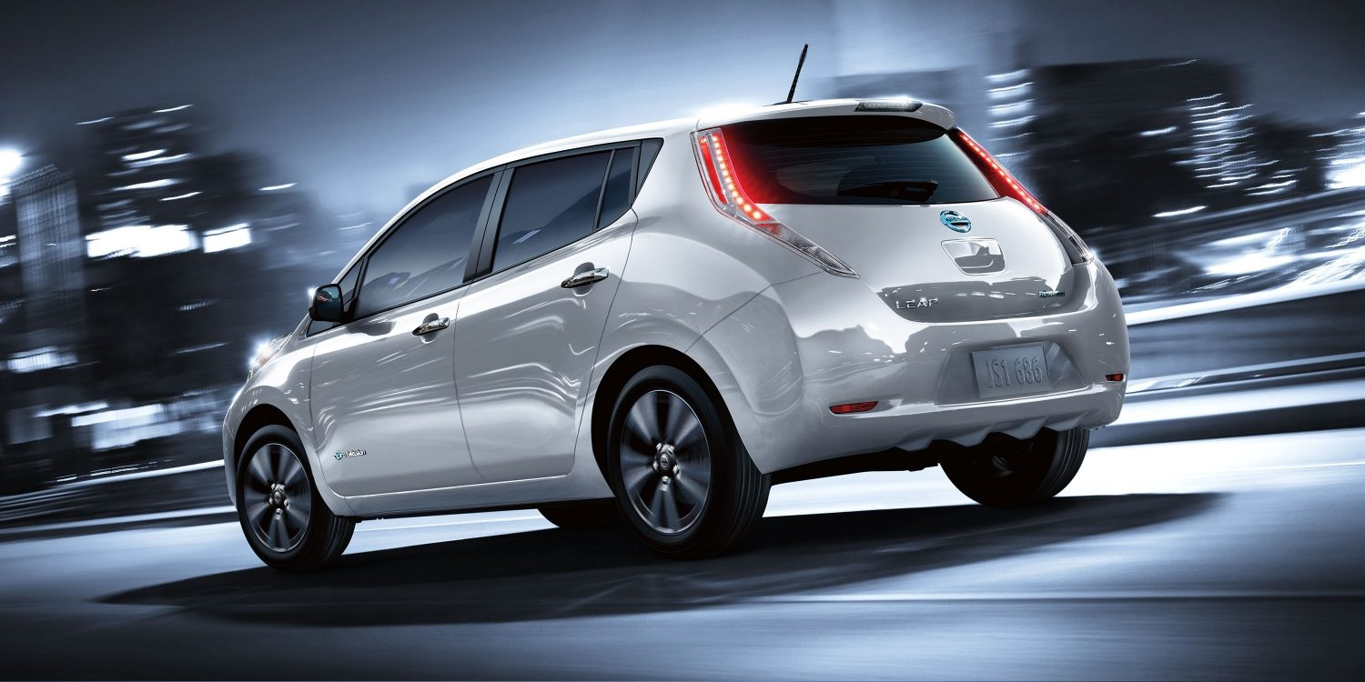 Nissan LEAF - Angled rear driver side action shot on cityscape