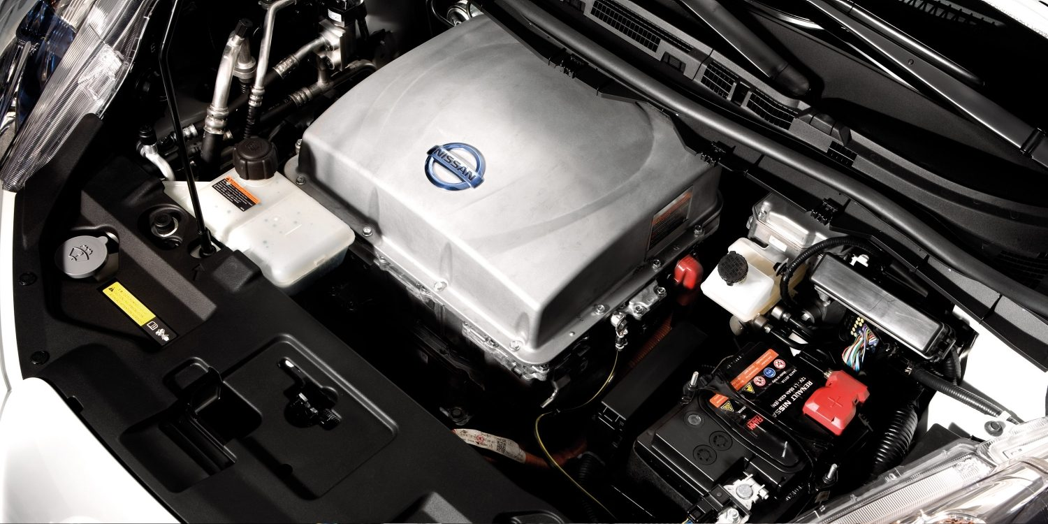 Nissan LEAF - Engine view