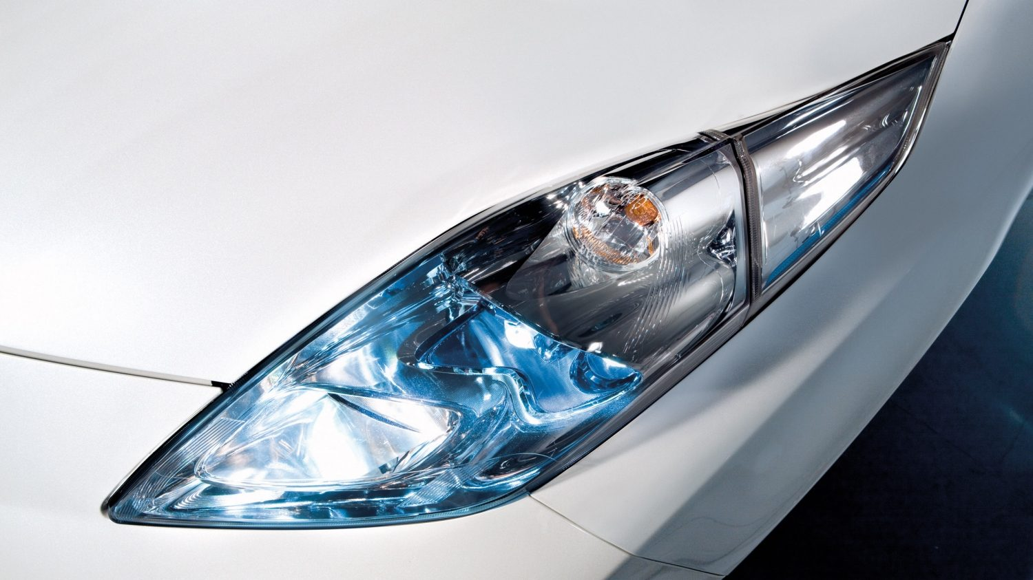 Nissan LEAF - Detail van LED-koplamp