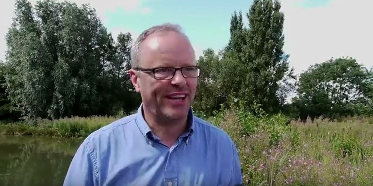 Robert Llewellyn gets enthusiastic about LEAF