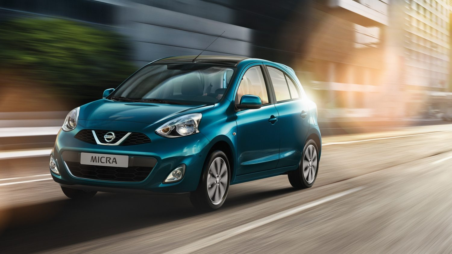 NISSAN MICRA Pacific Blue – 3/4 Frontansicht