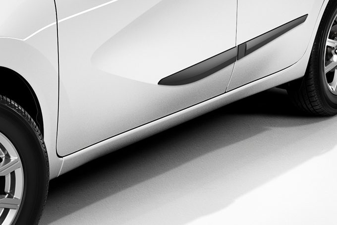 Nissan Note - Exterior - Body side mouldings