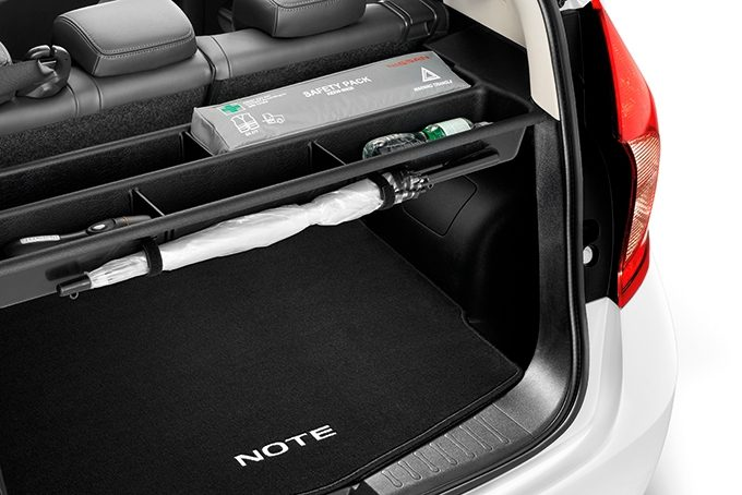 Nissan Note - Interior - Tonneau cover storage