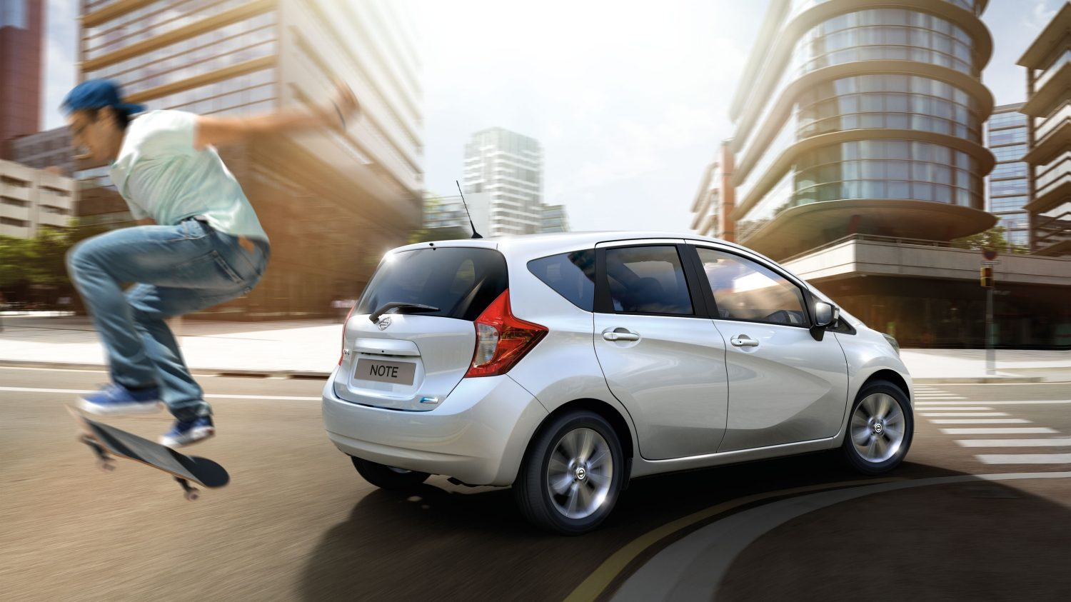 Nissan NOTE Arctic white - City car