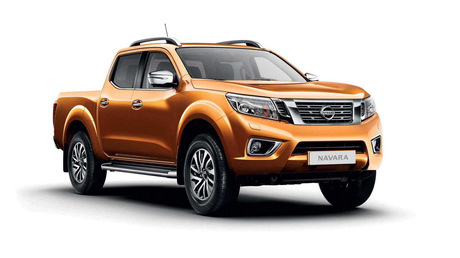 Pick up Nissan NAVARA Earth Bronze - Vista frontal estática