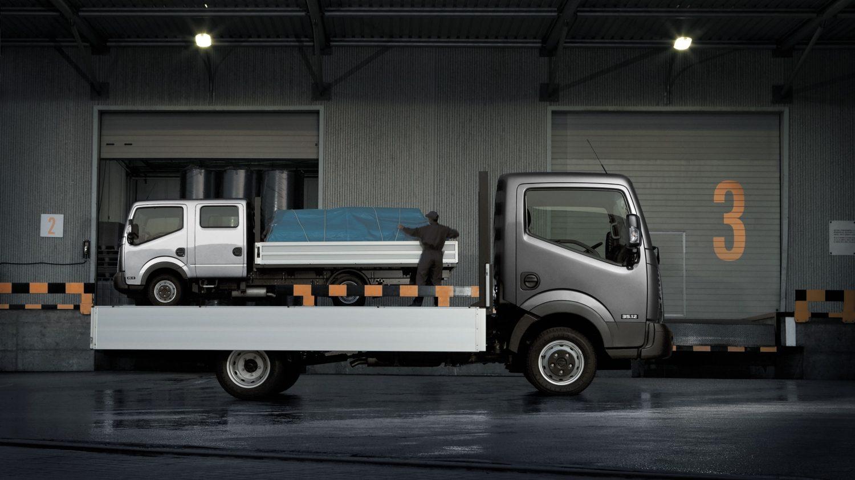 nissan nt400 camion benne utilitaire nissan. Black Bedroom Furniture Sets. Home Design Ideas