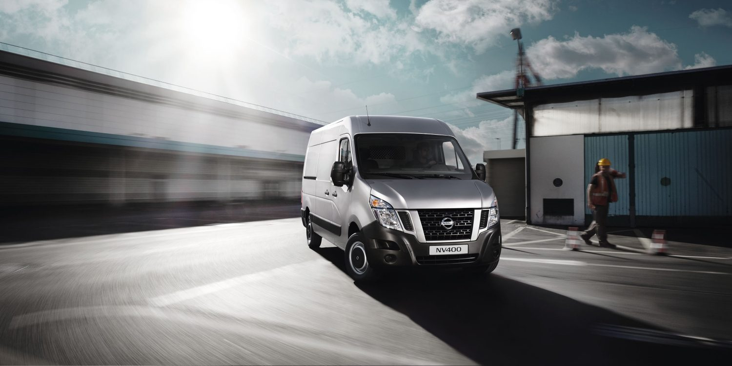 Nissan NV400 – Silver grey set 7/8 forfra
