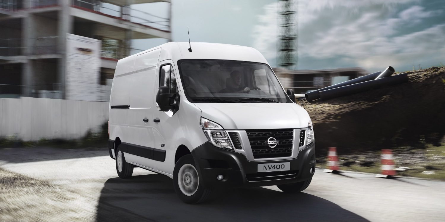 Nissan NV400 – Pearl White 3/4 frontvy