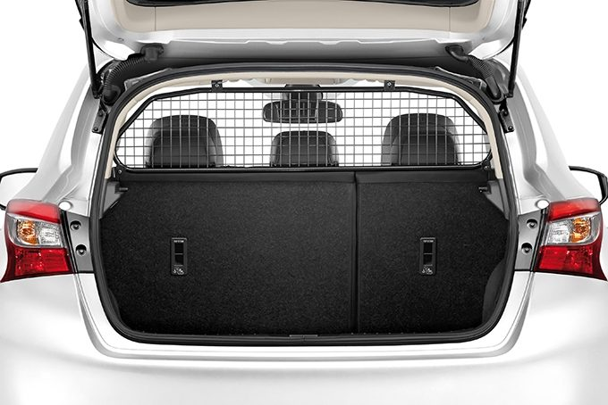 Nissan Pulsar hatchback - Dog guard