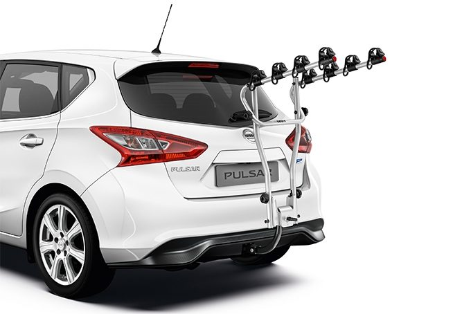 Nissan Pulsar hatchback - Bike carrier Hangon towbar mounted 4 Bikes