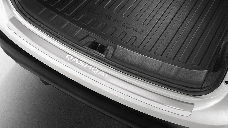 Верхняя защитная накладка на задний бампер Nissan QASHQAI