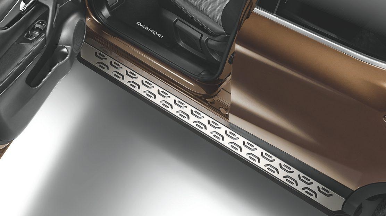 Алюминиевые накладки на пороги для Nissan QASHQAI