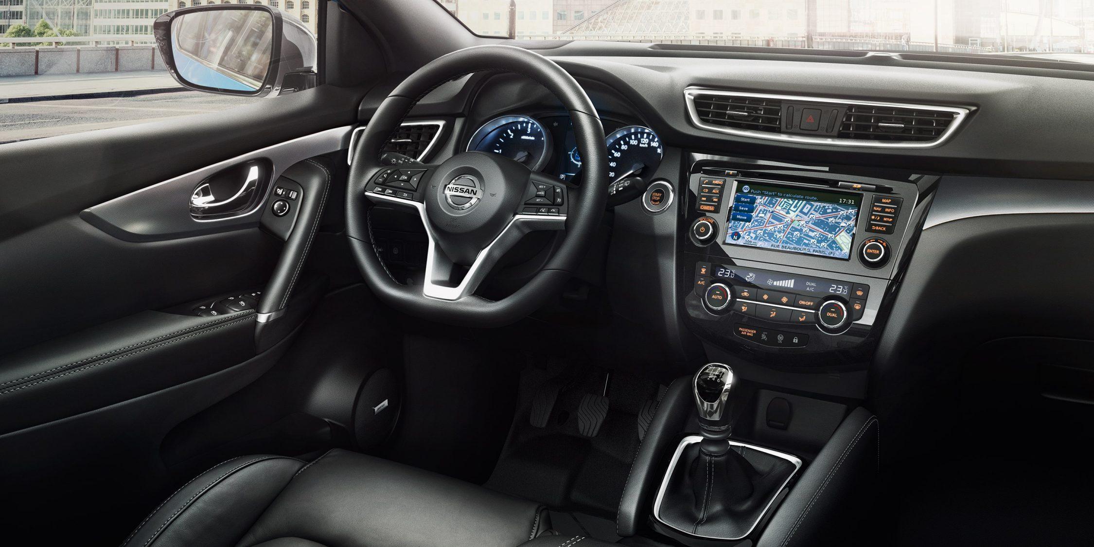 Nissan QASHQAI, изображение салона, рулевое колесо и центральная консоль