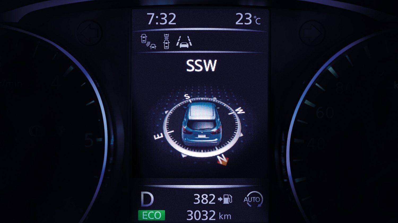 ЖК-экран компаса в Nissan QASHQAI