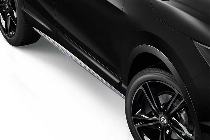 Nissan Qashqai - Exterior - Side styling bars