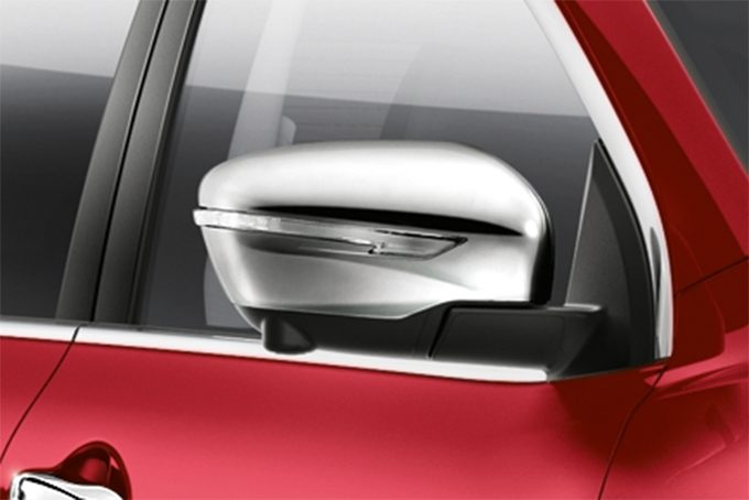 Nissan Qashqai - Styling - Mirror caps chrome